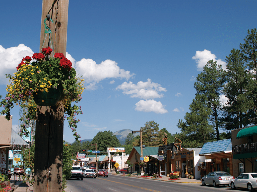 Downtown_Ruidoso_New_Mexico