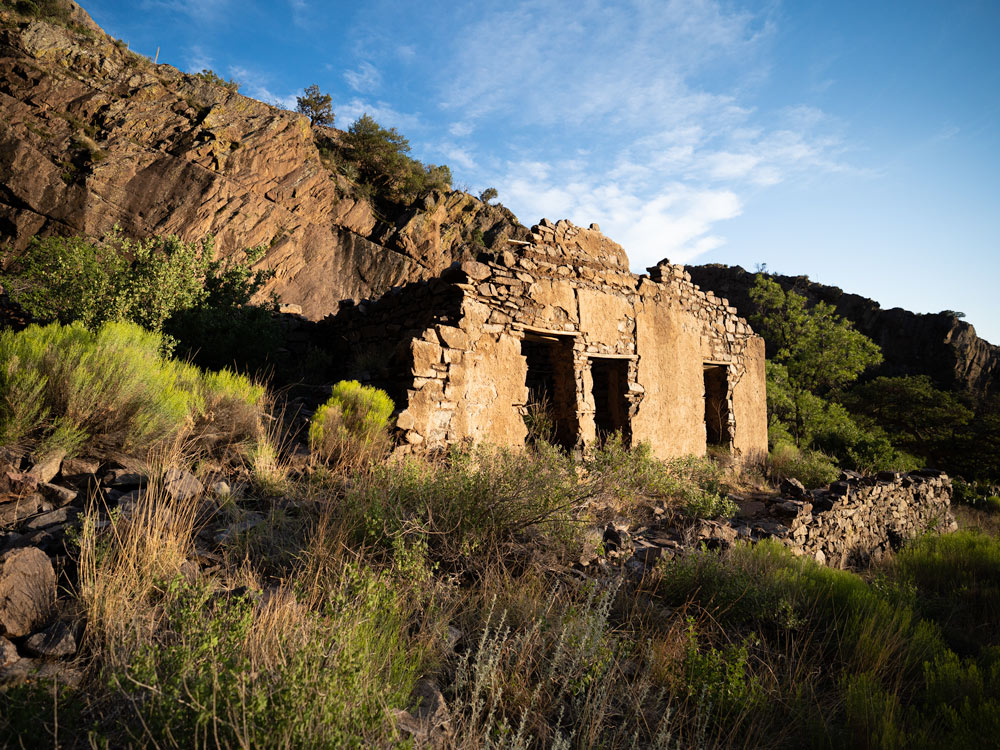 Las Cruces Hiking Trails dripping springs ruins